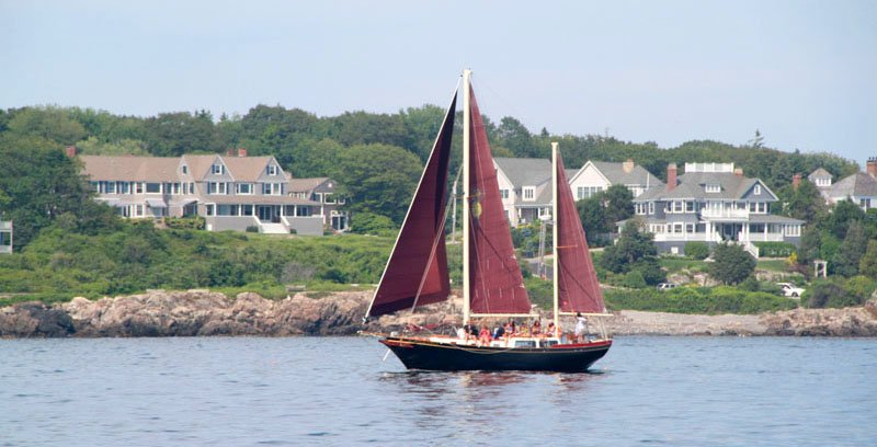 Pineapple Ketch Sailing Tours