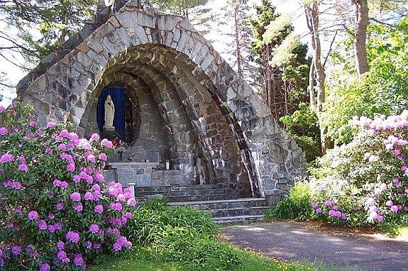 franciscan-guest-house-garden