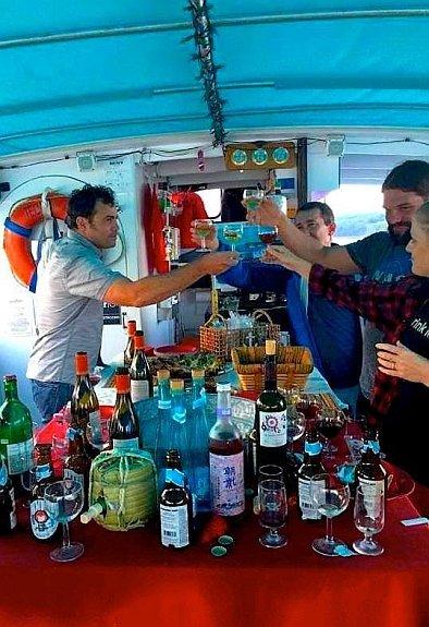 emm-gourmet-food-tour-aboard-schooner-emily-lusher-2